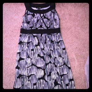 Size medium long maxi stretch black/white dress